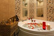 Champagne bath for people in love